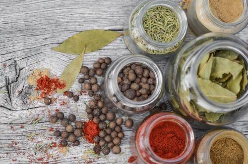 Plante brûle graisse efficace : les épices.
